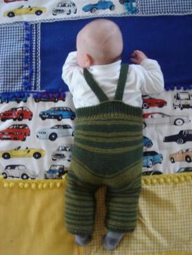 babybroekje breien achterkant